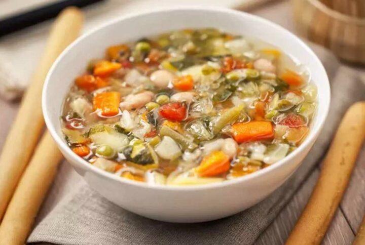 Zeleninová bezlepková polievka